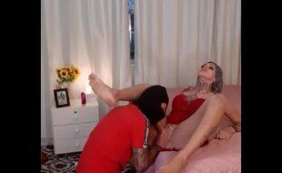 Sabrina Prezotte Transex Arrombando o Cu Do Namorado Novinho Tatuado